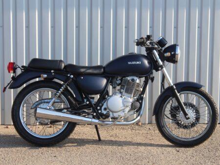Suzuki ST250