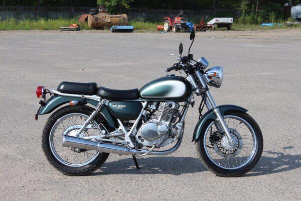 Suzuki ST250 / E-Type